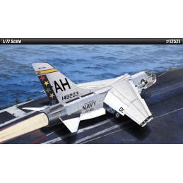 Academy  1/72  USN F-8E...
