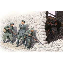 Master Box  1/35 German Mountain Troops &Soviet Marines, Spring 1943