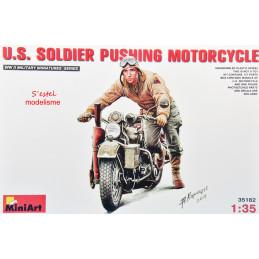 MiniArt  1/35  U.S. Soldier...