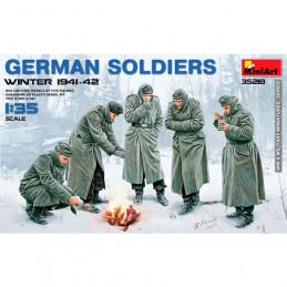 "MiniArt  1/35  German Soldier ""Winter 1941-42"""