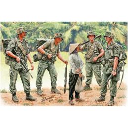 Master Box  1/35  Patroling. Vietnam War Series