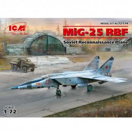 ICM  1/72  MiG-25 RBF...